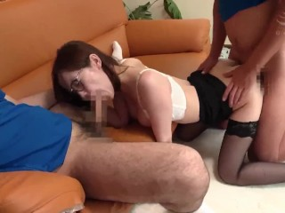 Yu Shinoda get delivered sex toy